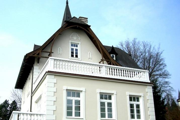 Thumbnail for Villa im Wienerwald